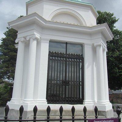 Robert Burns Mausoleum, St Michael's Church, Dumfries