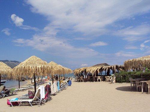 Lichadonissia, Monolia beach