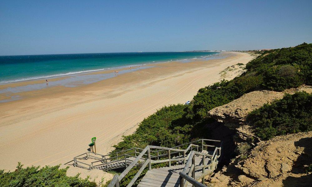Playa de la Barrosa en la zona sin paseo marítimo