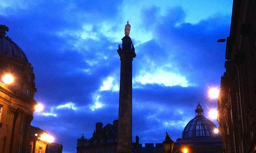 Grey's Monument at Night