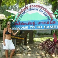 My cousin, Mandy, from Jersey, arrives at Ko Samet