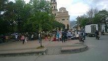 alrededores de la catedral de garzon , Huila