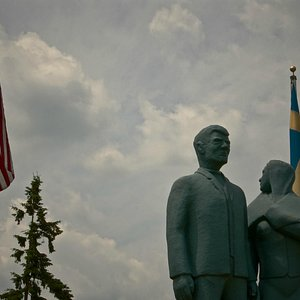 The Karl-Oskar & Kristina Monument in Lindstrom