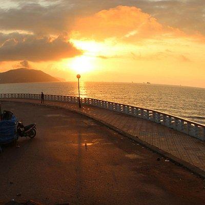 Buổi sáng ở bãi biển Quy Nhơn