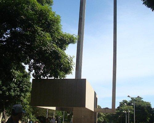 Monumento: Liberdade e Equilíbrio