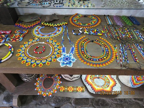 Beadwork in Calle Real shops
