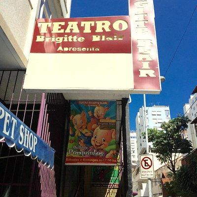 Teatro Brigitte Blair