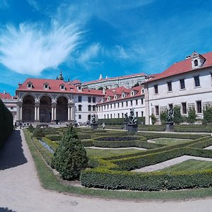 The czech Senate and the gardens