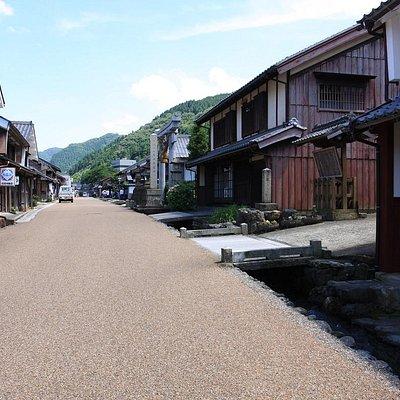 御蔵道は若桜街道熊川宿中ほど