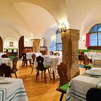 Traditioneller Charme im Restaurant Goldener Hirsch