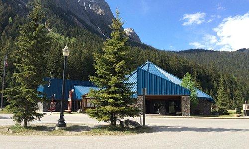 Travel Alberta Field Visitor Information Centre