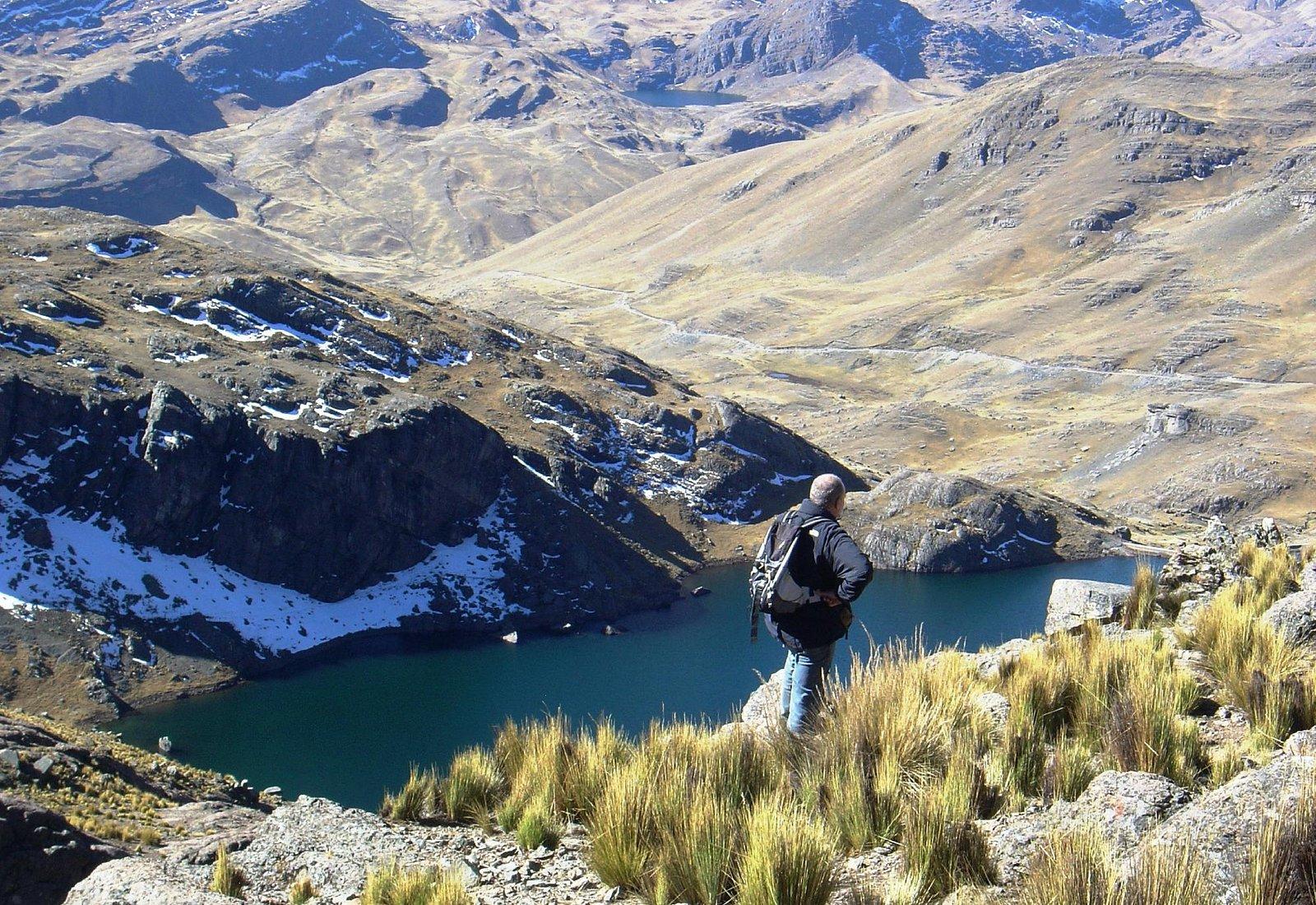 Vista de la Laguna Macho, en la base del Pico Tunari