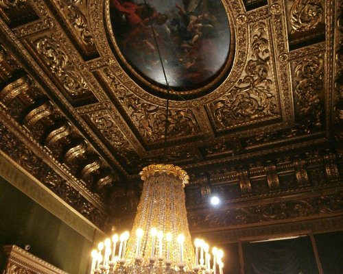 Uma das salas do Palácio Real.