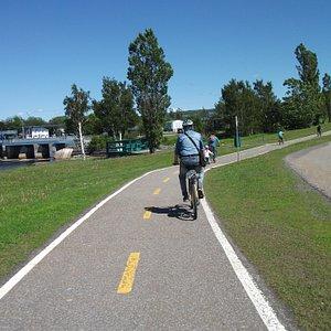 Les pistes cyclables de Rimouski, Route 132