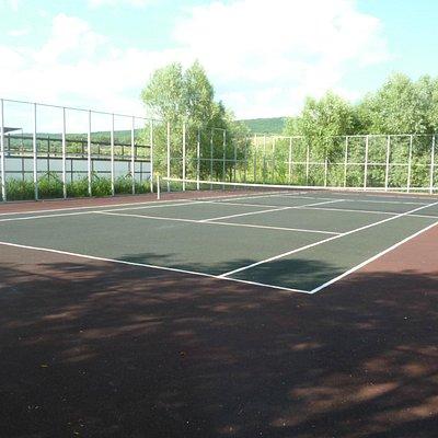 Теннисный корт