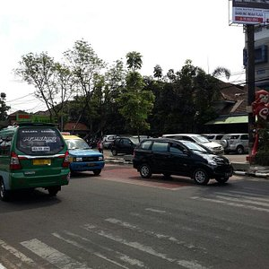 The road in front of summit ...This outlet is just opposite passion outlet..