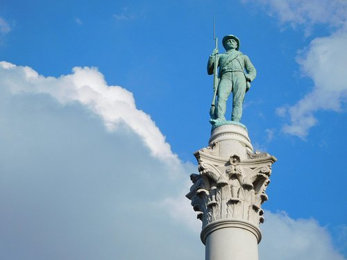 Close-Up of Confederate Soldiers and Sailors Monument