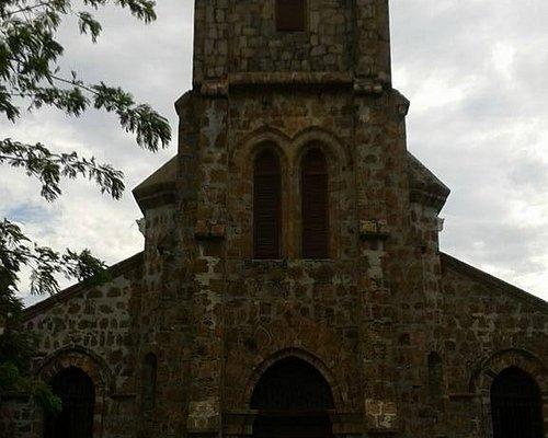 Torre y campanario.
