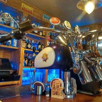 Tirador de cervezas hecho con una Harley