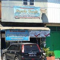 Rumah Makan Pusako Bundo di Jalan Nusantara Makassar