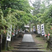 ひっそりと佇む、白根神社。