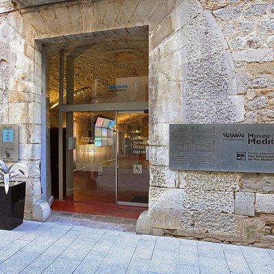 Entrada principal del Museu de la Mediterrània