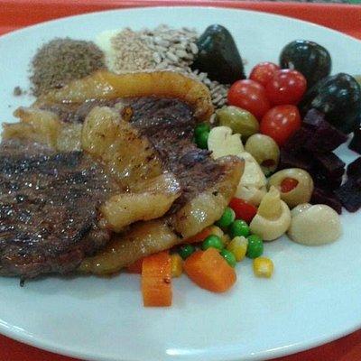 Almoço no Restaurante Guloso - praça de alimentação