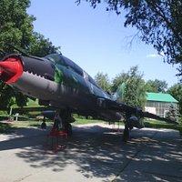 Истребитель -  бомбардировщик СУ-17