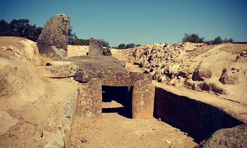 Vista frontal de la entrada