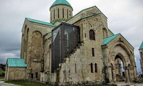 Bagrati Cathedral in Kutaisi - visible controversial modern part