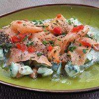 Salade de légumes saumon fumé