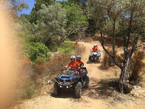 Quer durch den Adventure Park `La Reserva