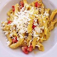 Garganelli pesto di pistacchio e pomodorini pachino
