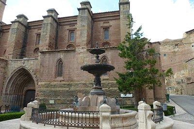 Castillo de Mora de Rubielos y  los alrededores