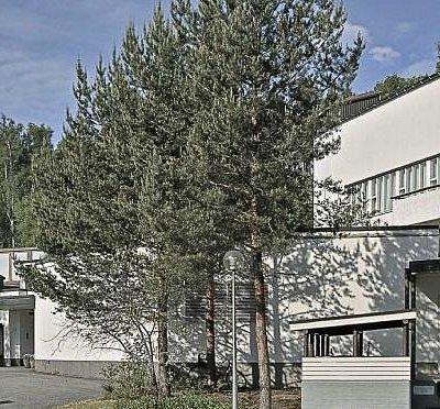 Museorakennus itsessään on vierailun arvoinen kohde. Kuva: Pekka Helin.