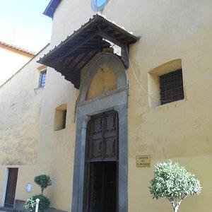 Ingresso alla Chiesa di San Michele Arcangelo