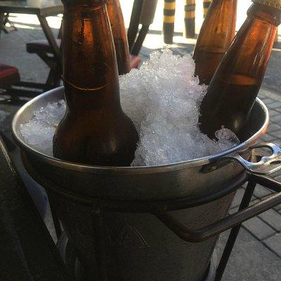 Balde de cerveja do Paróquia, bar da rua