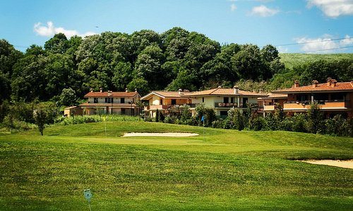 Beautiful villas overlooking the golf course. Come join us for a weekend or for a lifetime.
