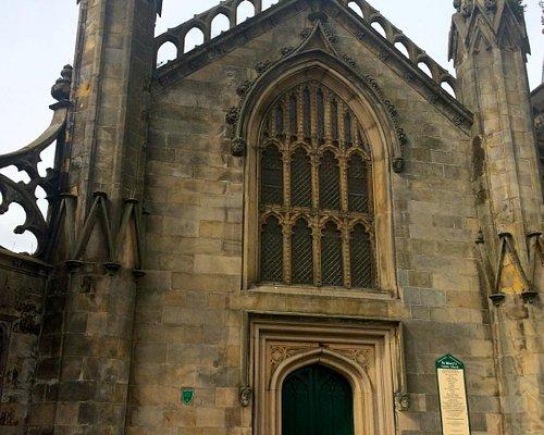 As torres e a cruz
