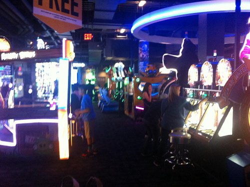 Mega sala giochi a Holliwood Bld