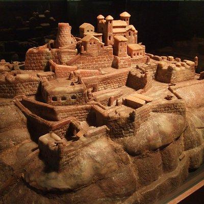 LA JOYA DE LA CORONA Castillo de Cardona en sal