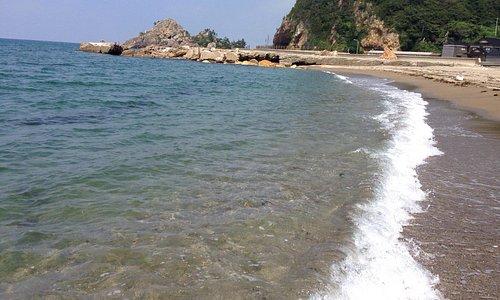 ゆっくりと足だけ海水浴。なんだか足の疲れがスッキリしたかも。