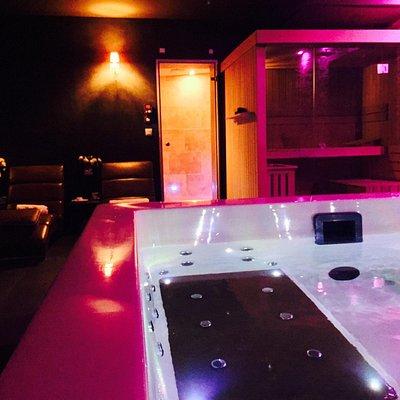 Spa privatif avec possibilité de combiner à la chambre d'hôte authentique et plein de charme à L