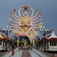 Temple in Wat Plai Laem