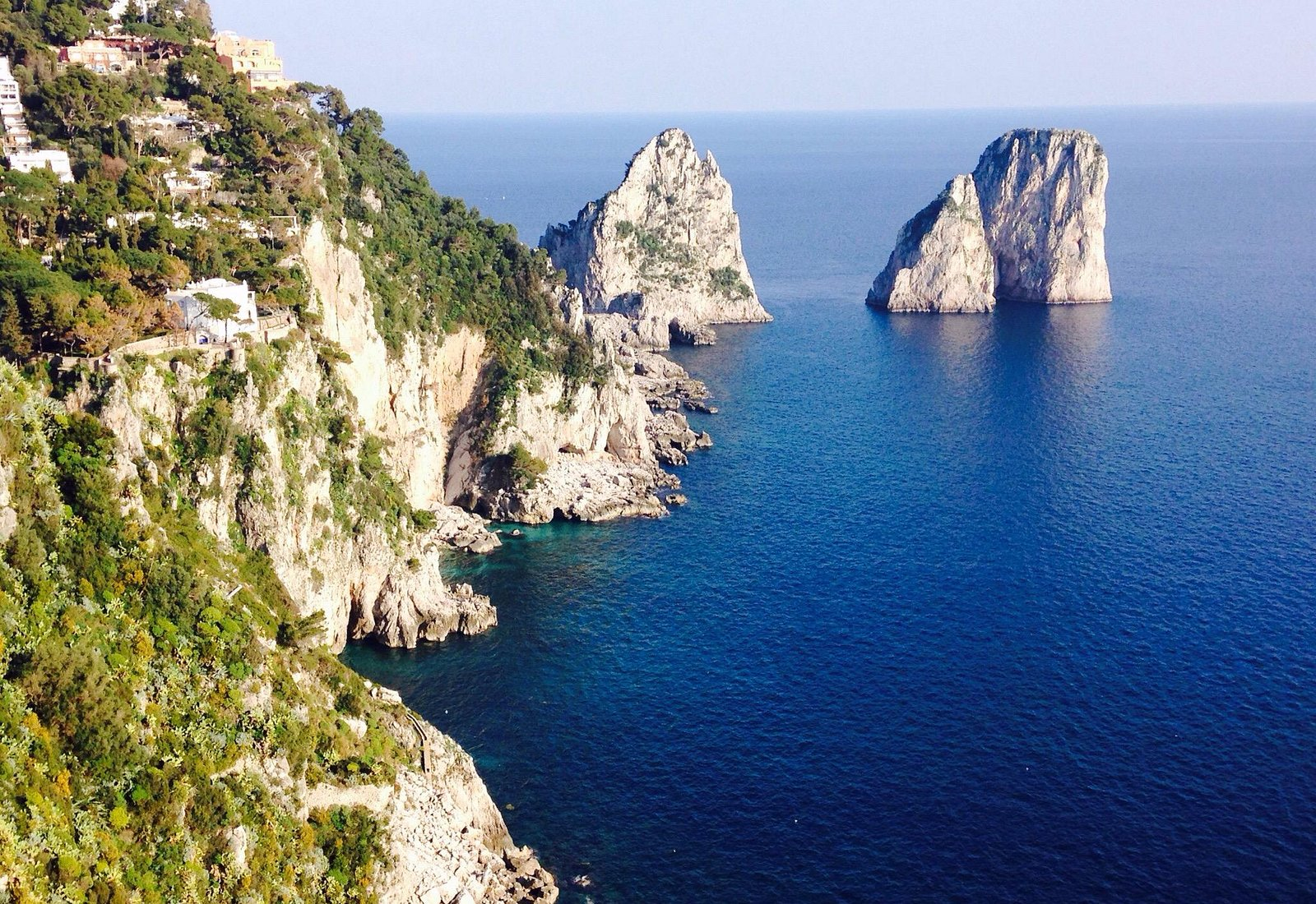 Capri Island ( faraglioni rocks)