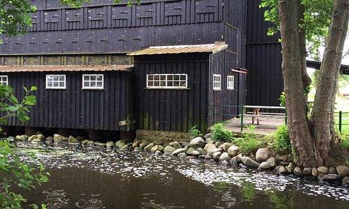 Klostermølle er en gammel mølle der er omlagt til museum og gratis teltplads for kanoer.