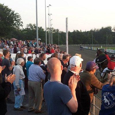 Masser af tilskuere til aftentrav på Bornholm