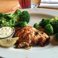 Salmon con brocoli al vapor