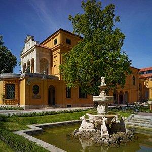 Städtische Galerie im Lenbachhaus und Kunstbau, München