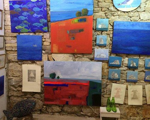 Art Galery run by Jasmina Merkus, artist living between Madrid and Vis
